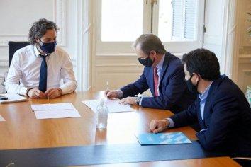 Bordet firmó un acuerdo por 3.500 millones de pesos