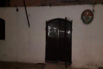Tres detenidos por robar en el Centro integral para adulto