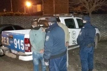 Tenían la música fuerte y agredieron al personal policial, cinco fueron detenidos
