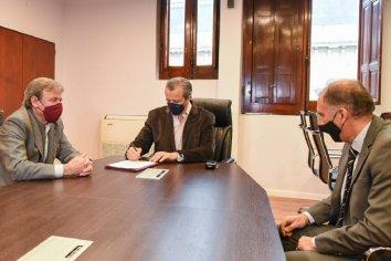 """Bahl: """"Pretendemos ampliar las opciones para el contribuyente y nuestros agentes en su relación con la Municipalidad"""""""