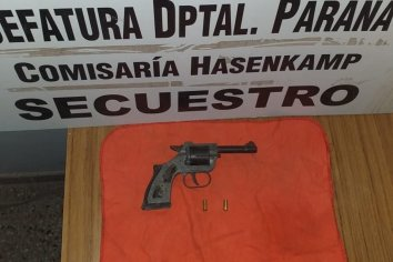 Amenazó a dos mujeres con un revolver calibre 22