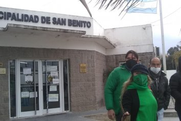 Trabajadores del municipio se manifestaron contra los despidos sin razón