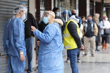Confirmaron 229 muertes y 9.043 nuevos contagios durante este jueves