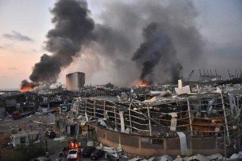 """Destrucción generalizada y una cifra """"innumerable"""" de muertos y heridos en la capital del Líbano"""