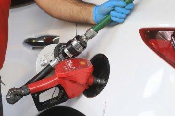 Combustibles: Gobierno decidió aplicar aumento del 7% tras ocho meses de precios congelados
