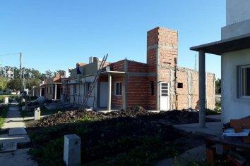 Continúan a buen ritmo las 77 viviendas en cuatro localidades entrerrianas
