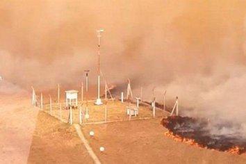 Feroz incendio afectó al aeropuerto de Corrientes