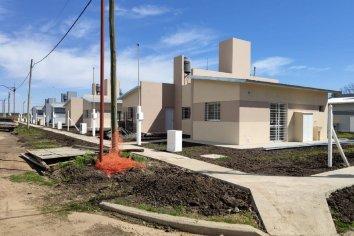 Con recursos provinciales se licitarán nuevas viviendas para cuatro localidades entrerrianas