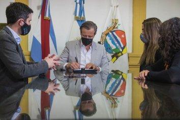 El municipio y el CGE firmaron un convenio para la Escuela Municipal de Danza