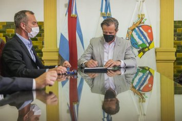 El Municipio firmó un convenio de pasantías con la UCA