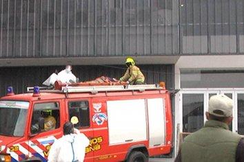 Un obrero debió ser hospitalizado tras caer de cinco metros de altura