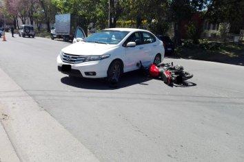Chocaron una moto y un auto y se retuvieron ambos vehículos por falta de documentación