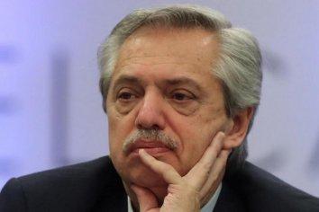 """Fernández lamentó la muerte del policía apuñalado y destacó su """"compromiso por cuidar a todos"""""""