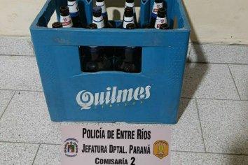 Un adolescente de 18 años abrió una camioneta y robó y cajón de envases de cerveza