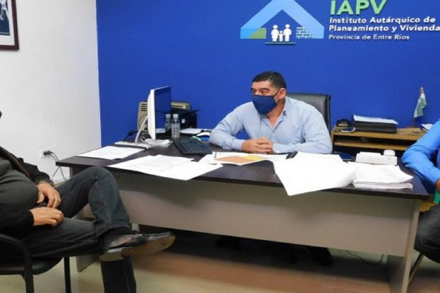 Trabajan en nuevas soluciones habitacionales para Santa Elena