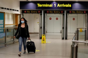 Identifican la variante Delta en una persona que llegó desde EE.UU