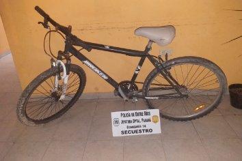 Tres sujetos demorados con bicicletas de dudosa procedencia