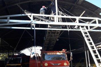 Malviviente cayó del techo en el predio de Bomberos Voluntarios