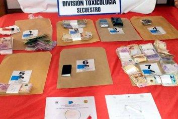 Tres detenidos, incautación de droga y más de cien mil pesos en Concepción del Uruguay