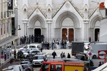Ataque terrorista en Francia dejó tres muertos en una Basílica de Niza