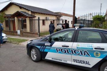 Policía Federal Argentina realiza un allanamiento en una casa de antigüedades por comercialización ilegal