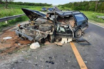 Perdió el control del vehículo, chocó contra el guardarrail y dio varios tumbos