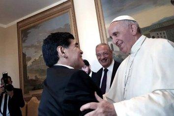 """El Papa Francisco recordó """"con afecto"""" a Diego Maradona"""