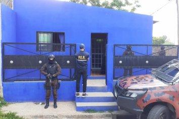 Secuestraron distintos elementos, dos detenidos y cincuenta identificados en la causa