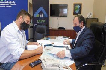 La provincia rubricó convenios para construir nuevas viviendas en Federal