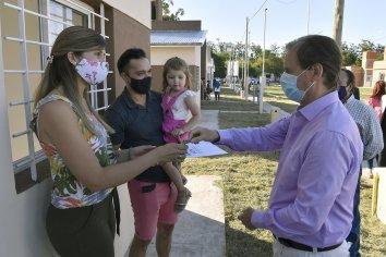 Bordet define más viviendas e infraestructura de servicios en zonas productivas y pequeñas comunidades