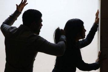 Amenazas, golpes, encierro y humillaciones: La tortura que sufrió una mujer