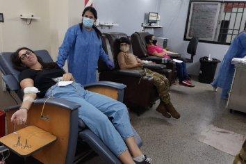 Donación voluntaria de sangre y plasma en el hospital San Martín de Paraná