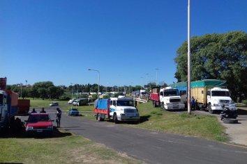 Transportistas levantaron los cortes en los accesos