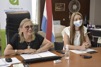 Firmaron convenios por refacciones para tres nuevos espacios de cuidado de primera infancia