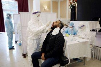 """Qué es la """"lengua covid"""", el nuevo síntoma del coronavirus"""