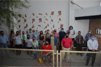 La provincia acompañó la inauguración de un mural con el abecedario en LSA en Patronato