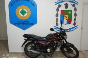 La policía recupera una moto