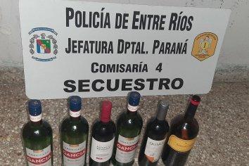Robaron bebida de un drugstore y fueron detenidos