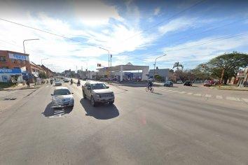 Le prohibieron manejar al hombre que agredió a una mujer en el semáforo