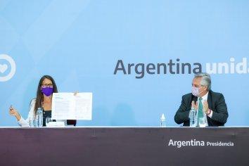 """Fernández convocó al compromiso de poner fin """"a la desigualdad en razón del género y a ser la sociedad justa que nos merecemos"""