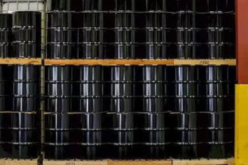 El petróleo tuvo su mayor caída en 9 meses: se hundió 7,1% por salto del dólar y avance del Covid-19