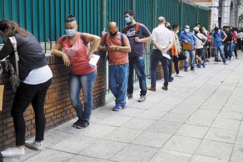 El desempleo cayó a 9,6% en el segundo trimestre
