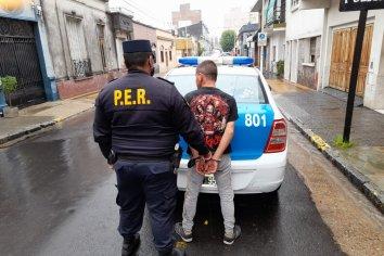 Detenido por agredir a su madre y a personal policial
