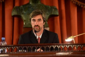 Sanción definitiva de la ley de autoría del presidente de la Cámara de Diputados, Ángel Giano para la construcción de la nueva Esc