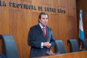 Castrillón solicitó el apartamiento del fiscal Barbosa y pidió la suspensión de la indagatoria
