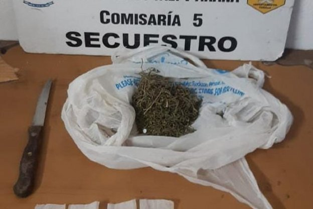 Detuvieron a un sujeto que llevaba 30 gramos de marihuana en su bolsillo