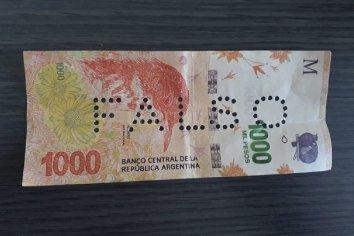 Alerta por la aparición de billetes falsos de 1000 pesos