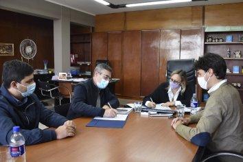 La provincia comenzó con la entrega de frazadas del programa Cobijar a los gobiernos locales