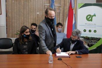 Se firmaron cinco contratos para obras que superan los 400 millones de pesos