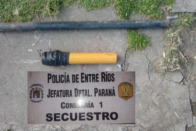 Amenazaba a sus vecinos con un arma tumbera que luego secuestró la policía